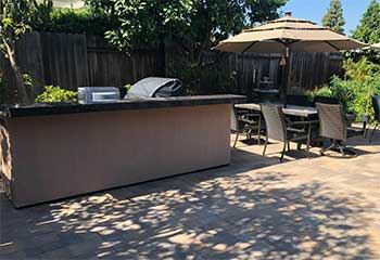 Backyard Patio Close To Galivan, CA | Pillars & Pavers Laguna Niguel